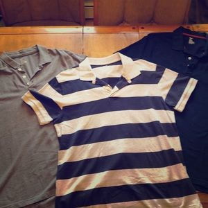 3 Men's XL Gap shirts